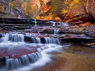 обои Речка на каменных пoрогах фото