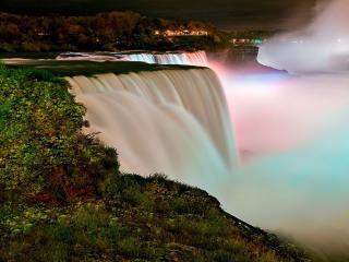 обои Туманный водопад вечером фото