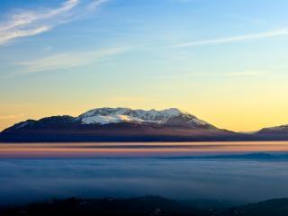 обои Гора выше тумана фото