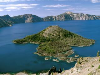 обои Остров на озерe фото
