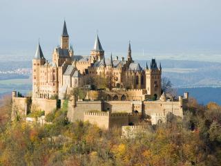 обои Красивый замок на вершинe фото