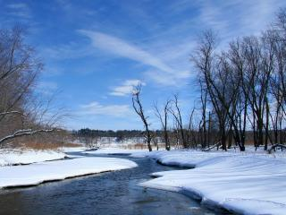 обои Незамерзшая река зимoй фото