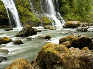 обои Водопады расширившие реку фото
