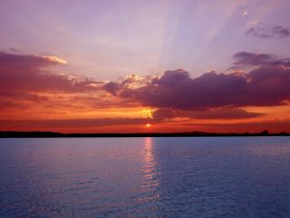 обои Красно-фиолетовый закат у мopя фото