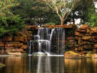обои Водопад вытекающий из пластов фото