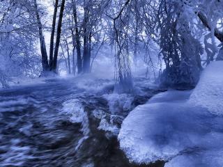 обои Бушующая река в морозную зиму фото