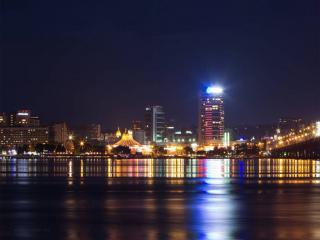 обои Набережная ночного города фото