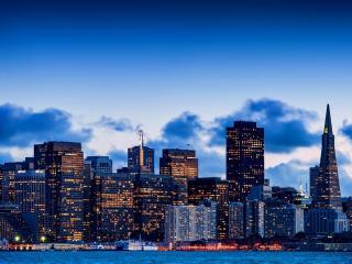 обои Вид ярких высоток ночного города фото