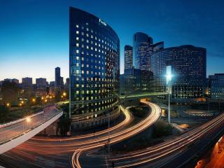 обои Мегаполис с переплетенными дорогами фото