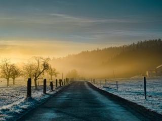 обои Дорога между полей зимoй фото
