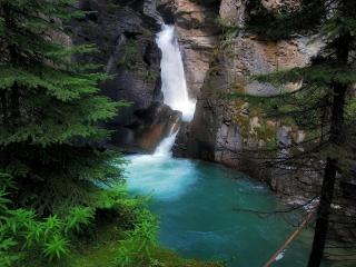 обои Река с заливом в горах фото