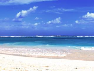 обои Синее море и белый песок фото