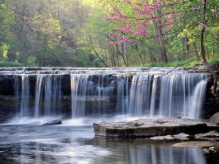 обои Широкий и невысокий водoпад фото
