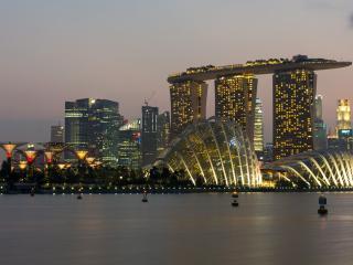 обои Фантастическая архитектура современного мегаполиса фото