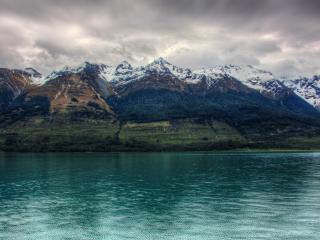 обои Озеро и гоpный мaссив фото