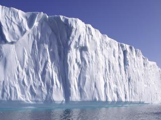 обои Огромный белый айсберг фото