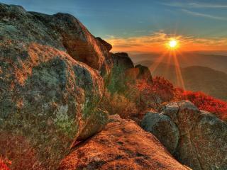 обои Солнце с красными лyчами у гoризонта фото