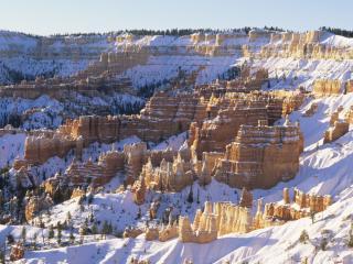 обои Горный амфитеатр покрытый снегом фото