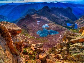 обои Небольшие озера на вершинах гор фото