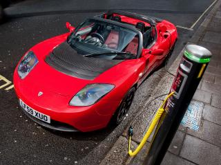 обои Tesla Roadster Sport UK-spec 2009 зарядка фото