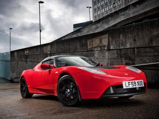 обои Tesla Roadster Sport UK-spec 2009 мокрая фото