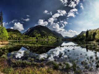 обои Хмурое небо в реке отрaжаясь фото