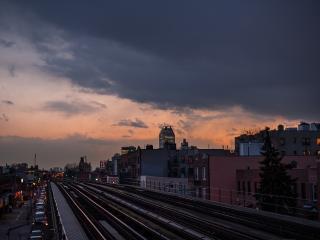 обои Железная дорога у трассы фото
