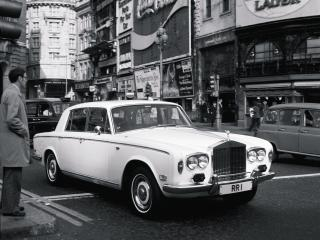 обои Rolls-Royce Silver Shadow 1965 город фото