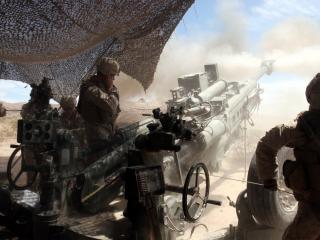 обои У орудия солдаты фото