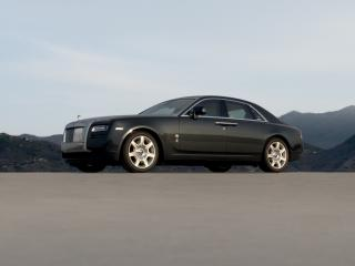 обои Rolls-Royce Ghost 2009 горы фото