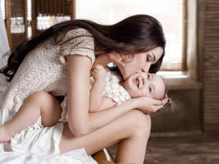обои Счастье матери фото