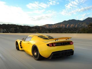 обои Hennessey Venom GT 2010 желтый фото