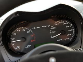 обои Hennessey Venom GT 2010 спидометр фото