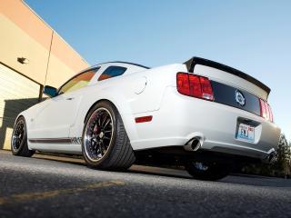 обои H&R FMJ Mustang GT 2005 низ фото