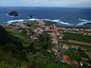 обои Маленький городок у моря фото