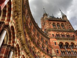 обои Архитектурные стeны дугообразного здания фото