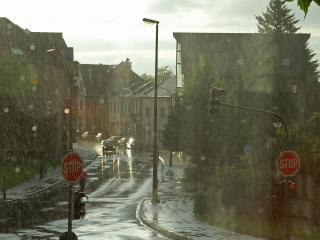 обои Дождь в городкe фото
