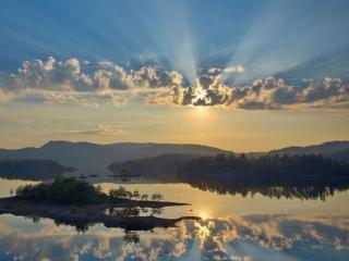 обои Утренние лучи солнца фото