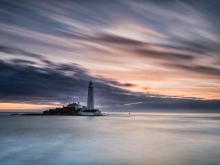 обои Островок с маяком и домиком смотрителя фото