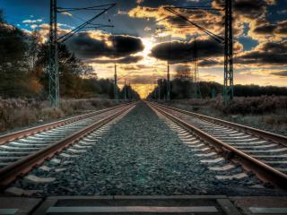 обои Ровная железная дорога и небо перед закатом фото