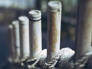 обои Бамбуковый забор сплетенный веревкой фото