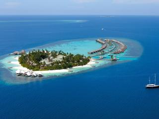 обои Курортный остров в океане фото