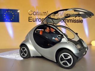 обои Hiriko Citycar EV 2012 на презентации фото