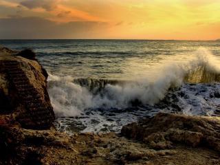 обои для рабочего стола: Волны у берега