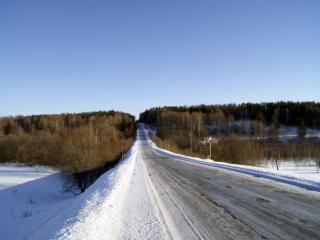 обои Дорога с проталинами фото