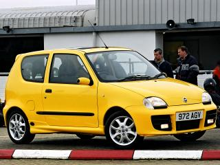 обои Fiat Seicento Sporting Michael Schumacher UK-spec 2001 бок фото