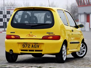 обои Fiat Seicento Sporting Michael Schumacher UK-spec 2001 зад фото