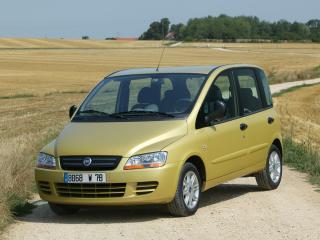 обои Fiat Multipla 2004 поле фото