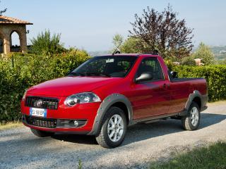обои Fiat Strada Trekking Short Cab EU-spec 2012 красный фото