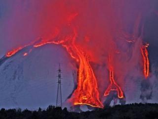 обои Извержение вулкана Этна,   Италия фото